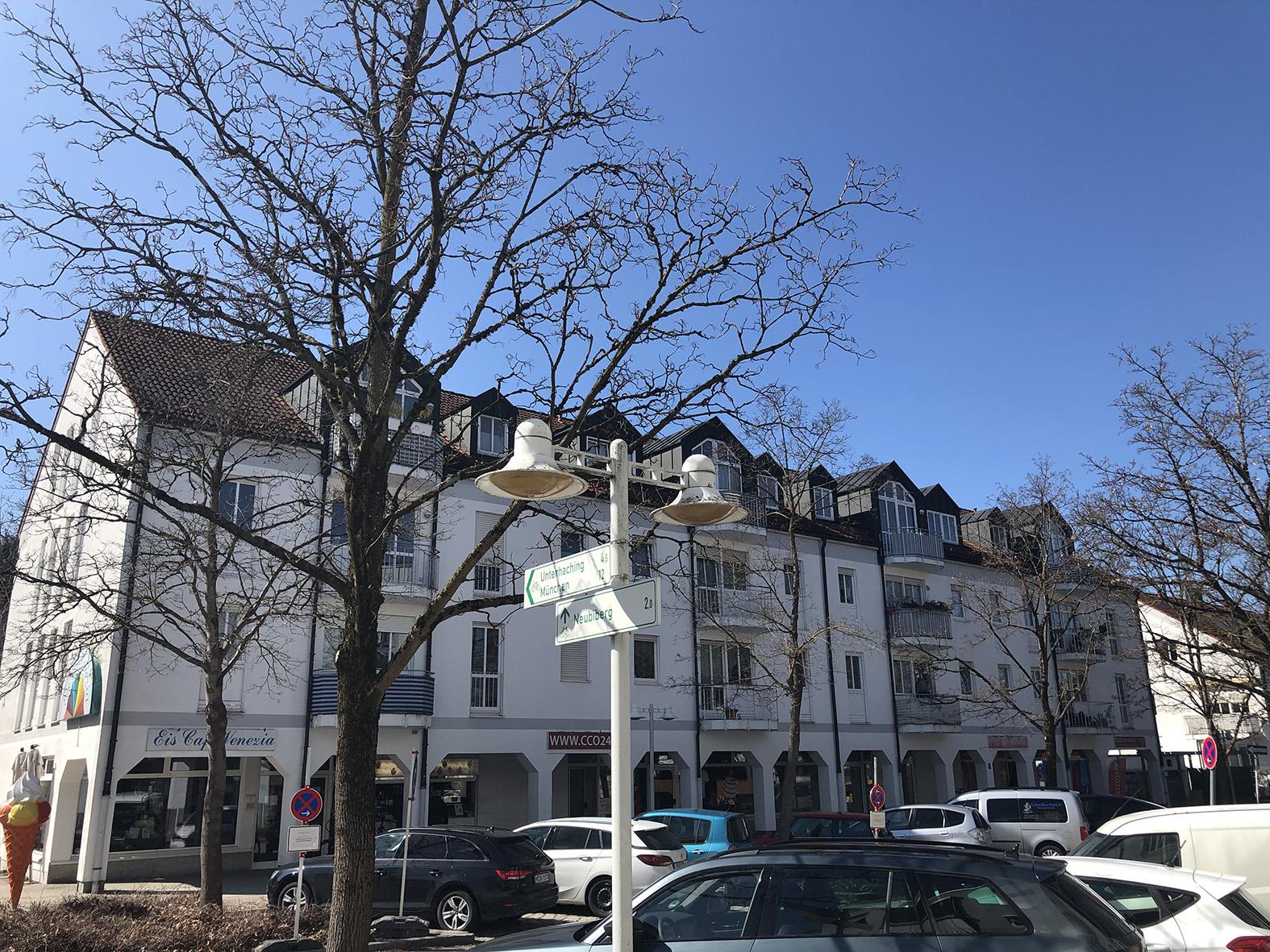 Ottobrunn-Rathausstrasse